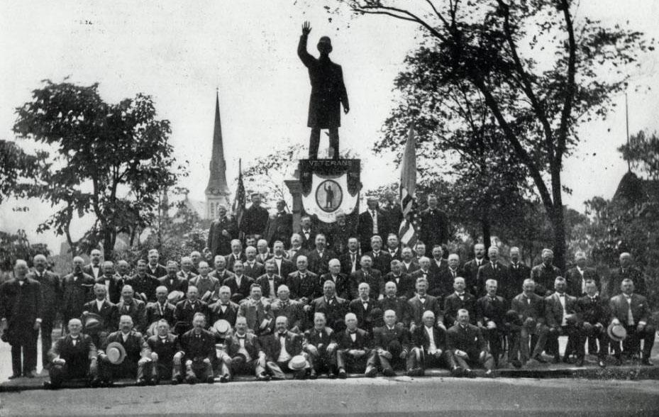 Haymarket Statue at Randolph Street and Ogden Avenue with Veterans - 1907