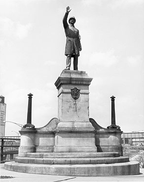Haymarket Statue at Randolph Street and the Kennedy Expressway - c1961